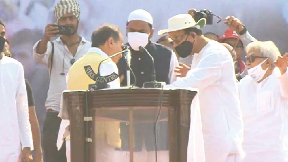Left-Congress Brigade Meeting in West Bengal: Rift between Abbas Siddiqui and Adhir Ranjan Chowdhury got exposed in Kolkata Election rally dgtl - Anandabazar