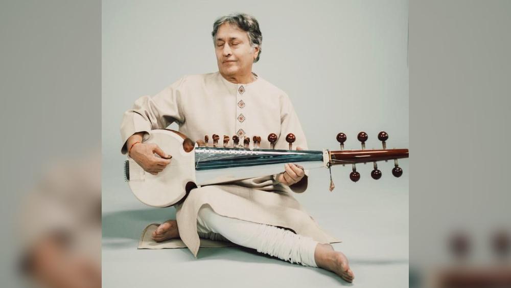 উস্তাদ আমজাদ আলি খান।