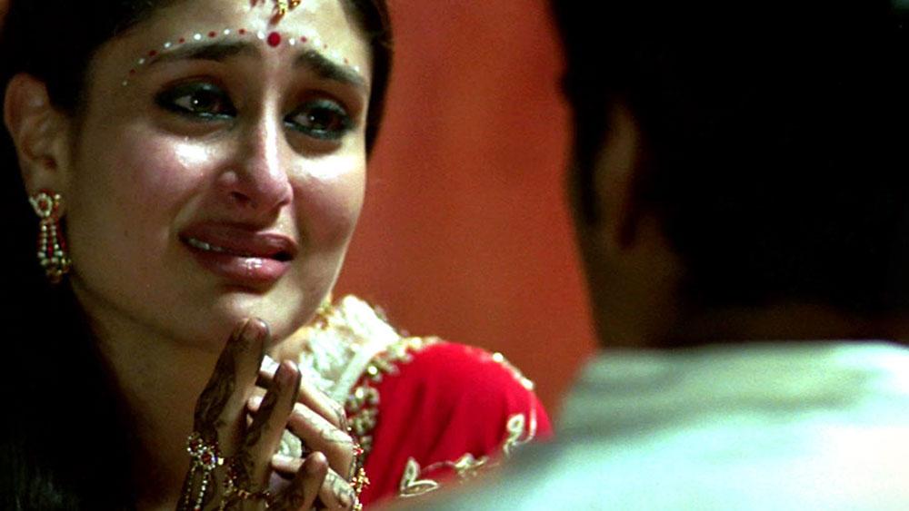 ২০০৪ সালে 'চামেলি' এবং ২০০৬ সালে 'ওমকারা'- পর পর এই দুই ফিল্ম লাইমলাইটে আনে করিনাকে। এর মাঝে 'ফিজা', 'কভি খুশি কভি গম'-এ অভিনয় করলেও তিনি মুখ্য চরিত্রে ছিলেন না।