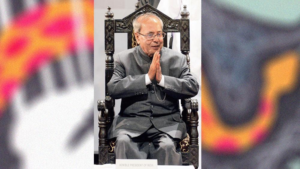 স্মরণীয়: প্রাক্তন রাষ্ট্রপতি প্রণব মুখোপাধ্যায়। তাঁর সদ্য প্রকাশিত ডায়েরি,  'দি প্রেসিডেনশিয়াল ইয়ার্স ২০১২-২০১৭'- এর প্রচ্ছদ।