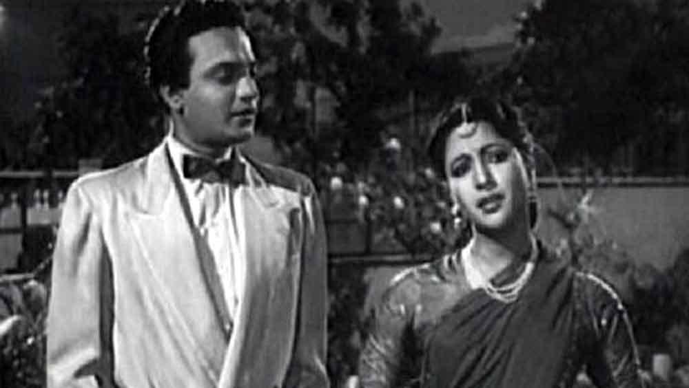 ১৯৪৮ থেকে ১৯৮০ সাল পর্যন্ত মোট ২১২টি ছবি করেছেন তিনি। তাঁর সবকটি ছবিই ভারতীয়, বিশেষ করে বাংলা সিনেমার অলঙ্কার।
