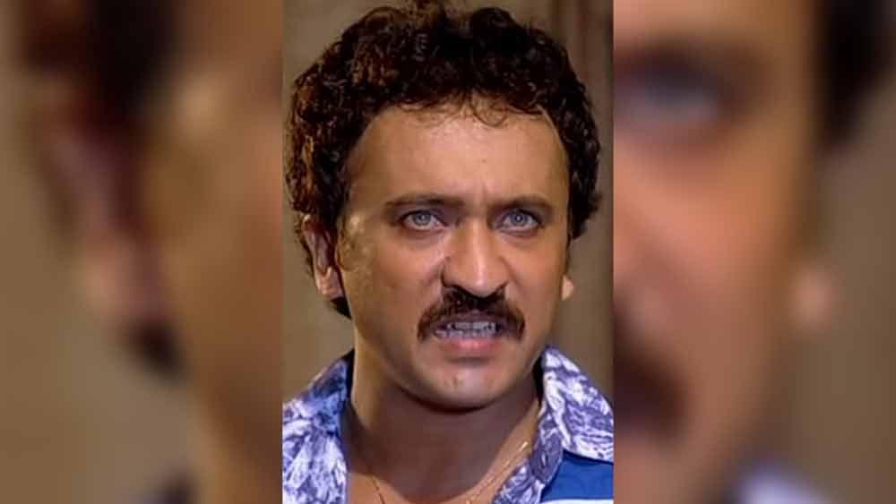 পরিচালক রবিকান্ত নাগাইচ তখন মিঠুন চক্রবর্তীকে নিয়ে 'সুরক্ষা' ছবি তৈরি করছেন। ছবির জন্য দ্বিতীয় নায়ক খুঁজছিলেন রবিকান্ত। তেজকে দেখেই পছন্দ হয়ে যায় তাঁর। 'সুরক্ষা'-তেই অভিনয় জীবন শুরু হয় তেজের। এক গোয়েন্দার চরিত্রে অভিনয় করেছিলেন তিনি।