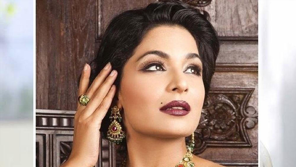 তাঁর আসল নাম ইরতিজা রুবাব। তবে ললিউড এবং বলিউডের কাছে তিনি মীরা। জনপ্রিয় পাকিস্তানী অভিনেত্রী এবং টেলিভিশন পরিবেশক। উর্দু, পঞ্জাবি এবং হিন্দি ছবিতে অভিনয় করেছেন তিনি।