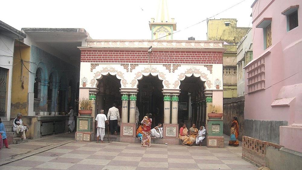 কাটোয়া শহরের সবথেকে বড় আকর্ষণ গৌরাঙ্গ মন্দির