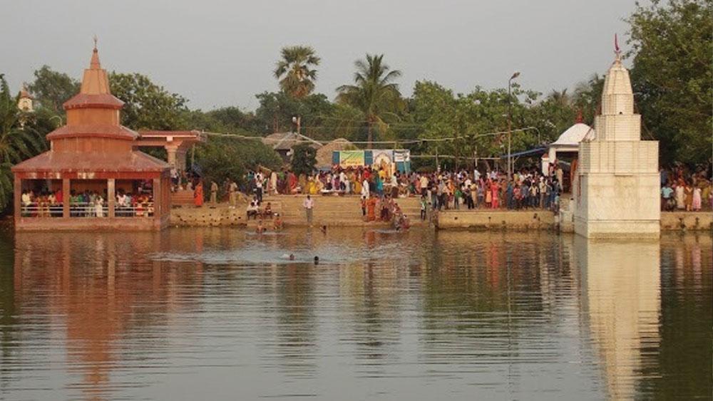 কাটোয়ার কাছে ক্ষীরগ্রামে অবস্থিত যোগাধ্যা মন্দির