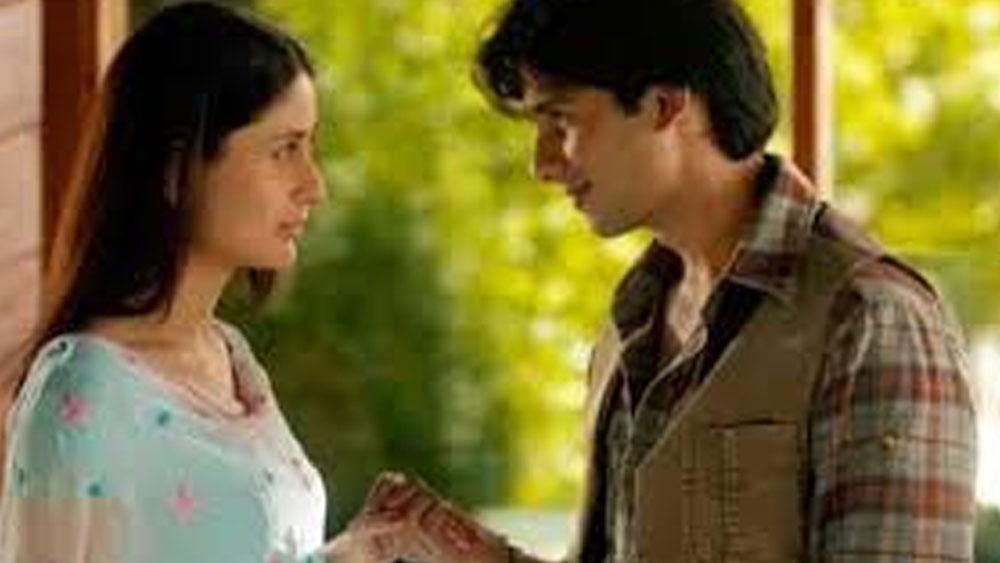 'ফিদা'-র পর দুজনে একসঙ্গে '৩৬ চায়না টাউন', 'চুপ চুপ কে', 'জব উই মেট'- এ অভিনয় করেন।