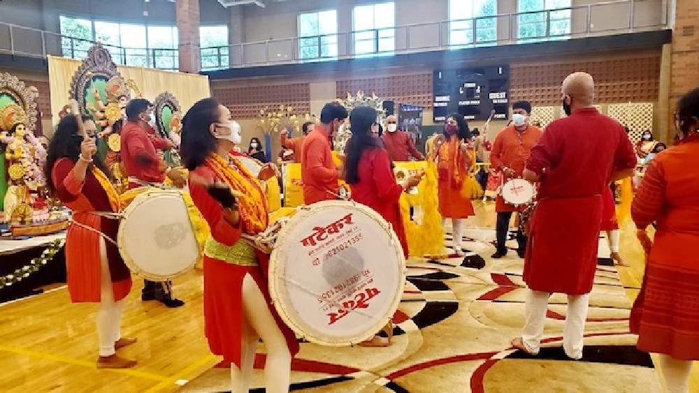 শিকাগোয় দুর্গাপুজো প্রবাসী বাঙালির মহোৎসব