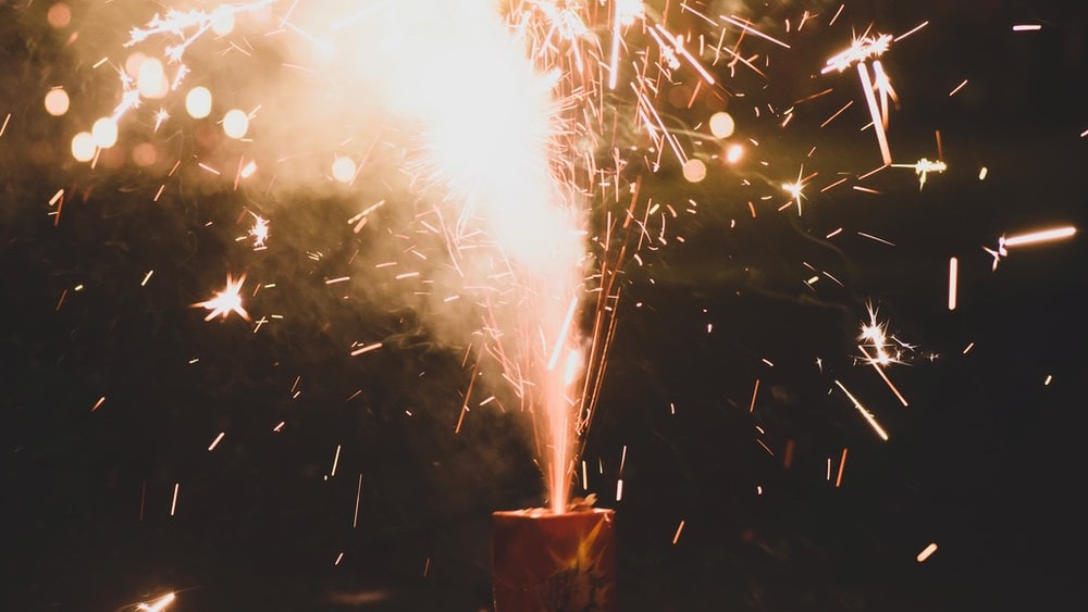 Diwali 2021: গত বছরের বাজি বেঁচে গিয়েছে? এই কালীপুজোয় সেগুলি ঠিক করে ফাটাতে গেলে কী করা প্রয়োজন