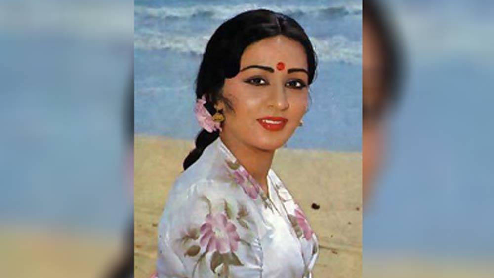 শোমাকে ওই ধারাবাহিকে অভিনয়ের প্রস্তাব দেন জিতেন্দ্র। শোমা তাতে রাজিও হয়ে যান। এ ভাবেই প্রত্যাবর্তন হয়। জনপ্রিয় ধারাবাহিক 'হম পাঁচ'-র হাত ধরে নতুন করে যাত্রা শুরু করেন শোমা।