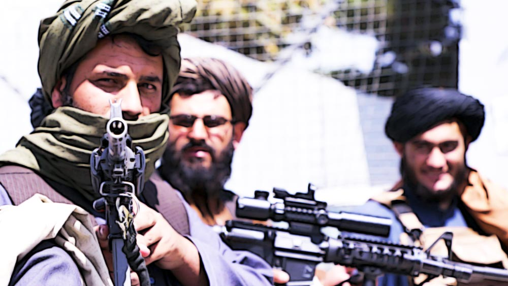 আফগানিস্তান আছে আফগানিস্তানেই। হাড় হিম করা তালিবানি সন্ত্রাস বোঝার জন্য বিমান থেকে ঝুলন্ত লোকগুলোই যথেষ্ট।