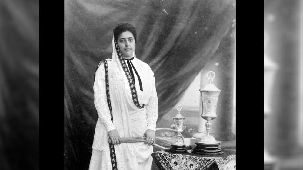 মেহরবাই শুধু ভাল মানুষ ছিলেন না, তিনি ভাল খেলোয়াড়ও ছিলেন। টেনিস খেলতে খুব ভালবাসতেন। স্বামীর সঙ্গে উইম্বলডন দেখতে যেতেন। আর ভালবাসতেন পিয়ানো বাজাতে। তিনি এক জন দক্ষ ঘোড়সওয়ারও ছিলেন। তিনিই প্রথম ভারতীয় মহিলা যিনি বিমানে উঠেছিলেন। ১৯১২ সালে জেপলিন এয়ারশিপ-এ উঠেছিলেন তিনি।