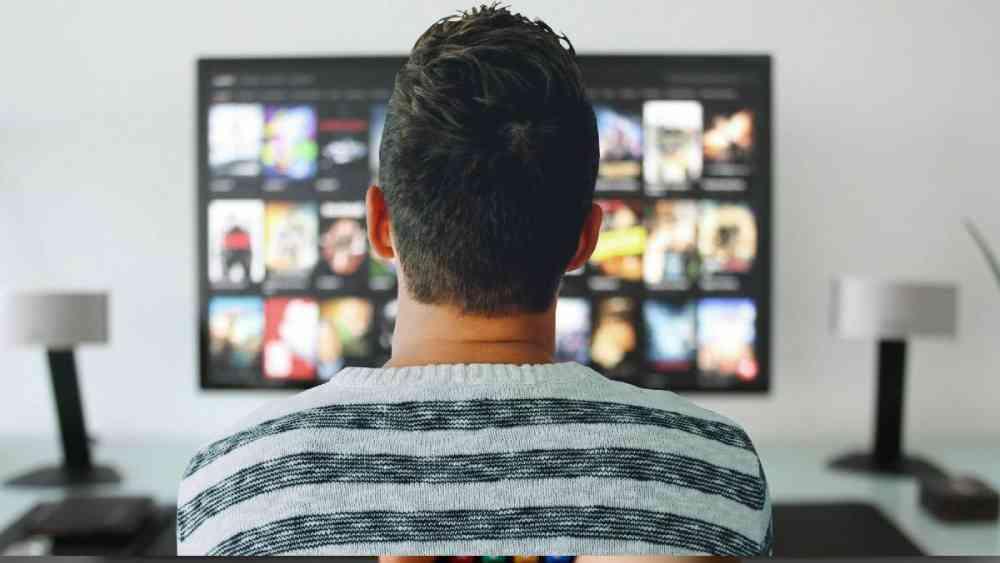 স্মার্ট টিভি কেনার আগে কী কী দেখে নেবেন?