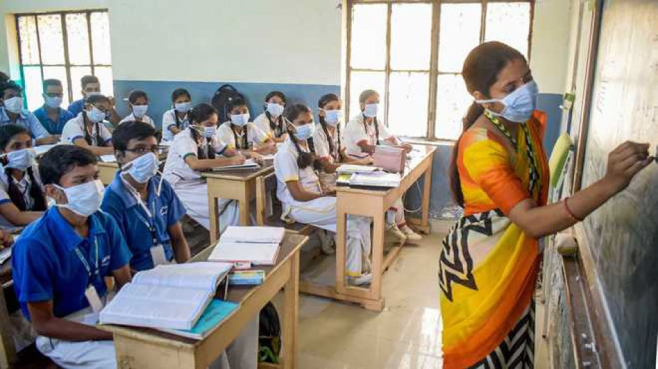 Maharashtra sees a record number of students going back to school after their reopening. PHOTO: Facebook