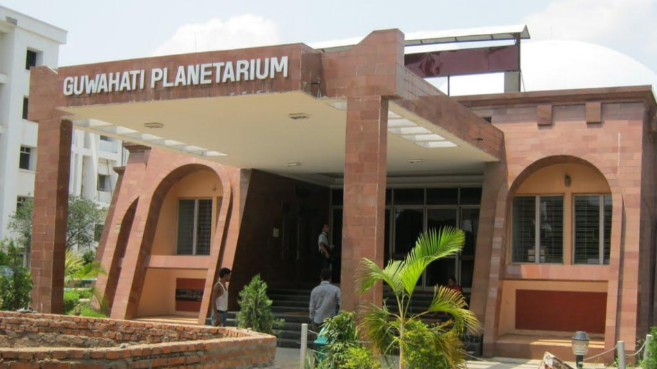 The planetarium wants science-loving people, particularly students, to spend some creative time learning.  Photo: Official website.