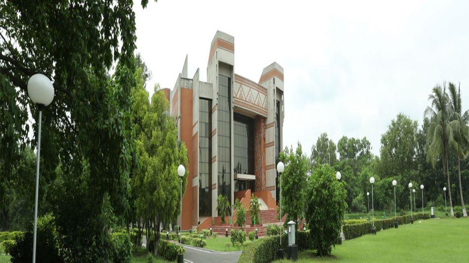The faculty members of the Organisational Behaviour Group of IIM Calcutta will be hosting the webinar. SOURCE: IIM-C website