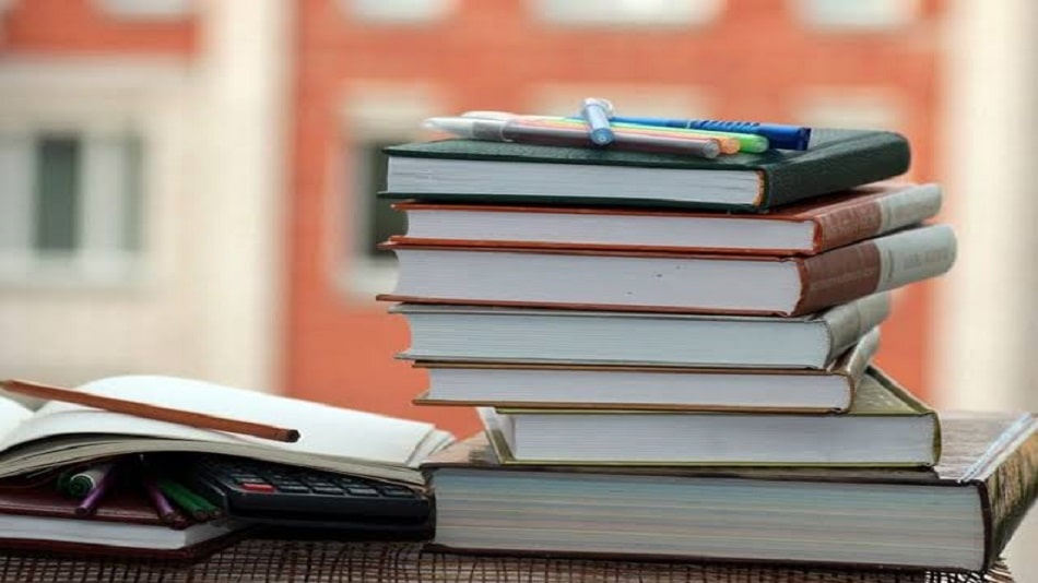 The teachers make the students buy books and study materials according to their syllabus. Image Source: Shutterstock