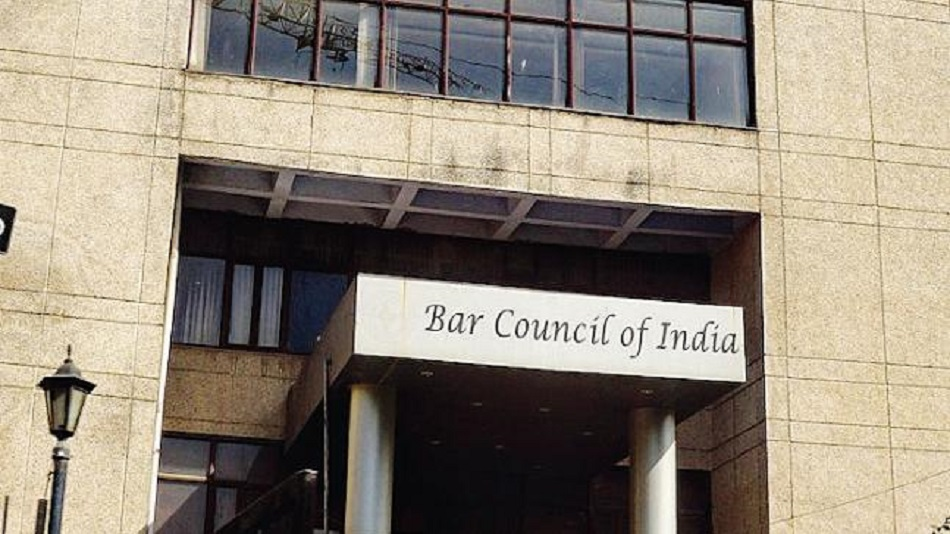 BCI committee has allowed institutions to decide upon the mode of the LLB exams.  Image Source: Twitter