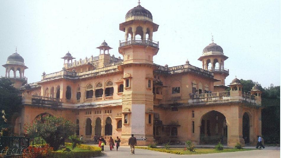 Ashish Chauhan succeeds Govardhan Mehta at Allahabad University. Image Source: Facebook