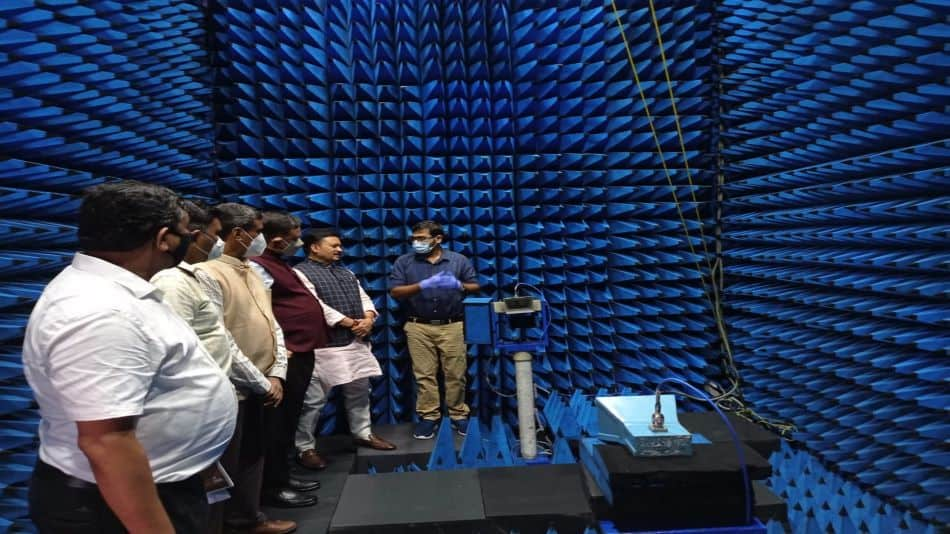 """MoS for communications Devusinh Chauhan, during his visit at IIT Guwahati was presented with the proposal to set-up """"Center for Excellence in Advanced Communication"""" for developing specific areas of next-generation communication systems. Image Source: IIT Guwahati"""