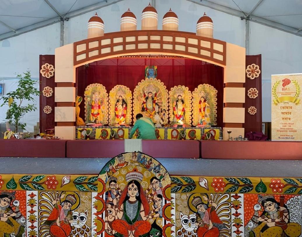 সিঙ্গাপুরে দুর্গাপুজোর আয়োজন করে বেঙ্গলি অ্যাসোসিয়েশন।