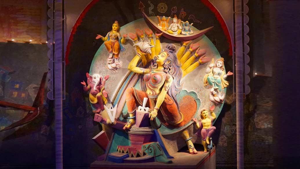 নাকতলা উদয়ন সঙ্ঘের পুজোতেও শরতের আকাশে ব্যথার সুর।
