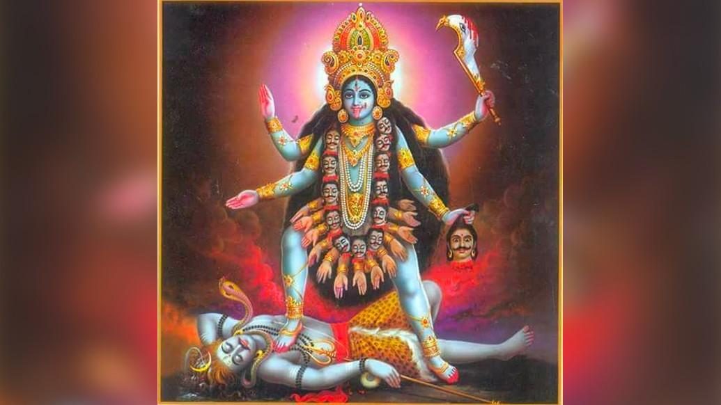 কৃষ্ণানন্দের শিষ্য ছিলেন রামপ্রসাদ। তিনি তাঁর রামপ্রসাদী গানের সুরে, ভয়ঙ্করী রূপের দেবী কালীকে করে তুললেন নিজের মা।