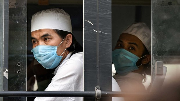 Members of the Tablighi Jamaat leave from LNJP hospital and head towards the quarantine centre in New Delhi.