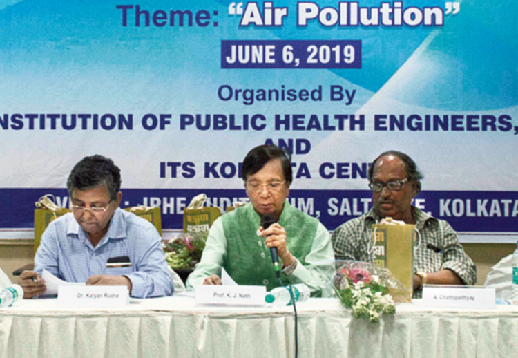 (L to R) Pollution Control Board chairman Kalyan Rudra, IPHE president K.J. Nath and A. Chatterjee of Central Pollution Control Board, Calcutta  at the seminar.