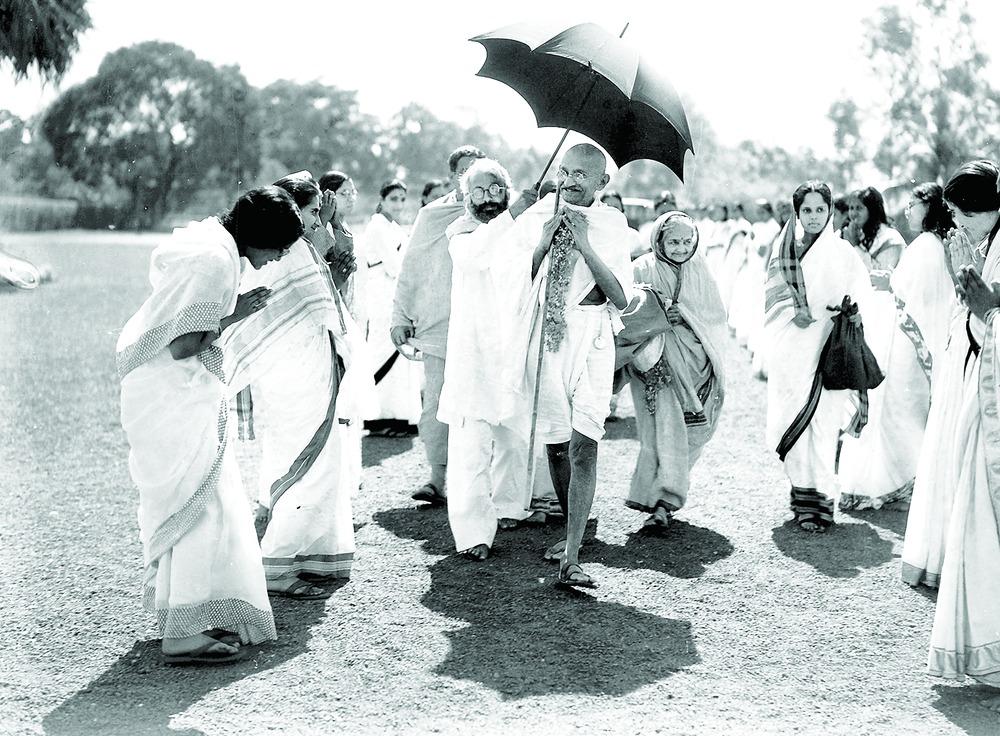 https://assets.telegraphindia.com/telegraph/0210kasturba.jpg