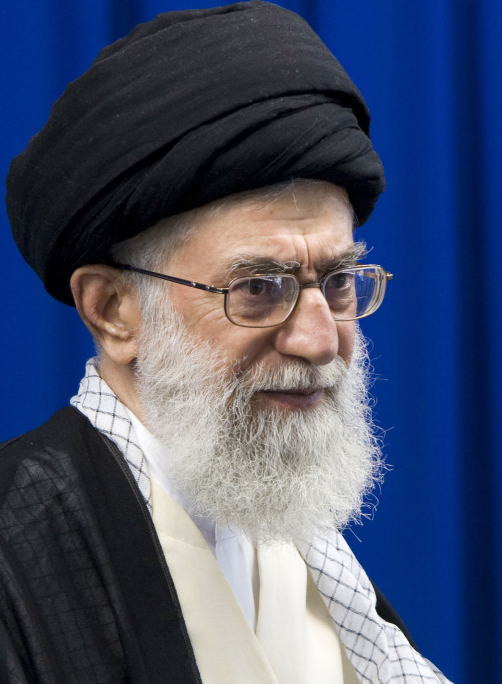 Iran slams US ahead of sanctions