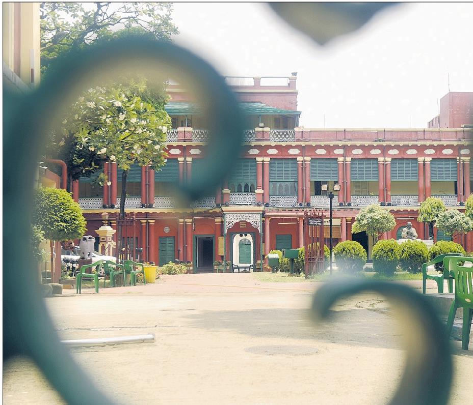 A deserted Jorasanko Thakurbari on Thursday, on the eve of Rabindranath Tagore's birth anniversary