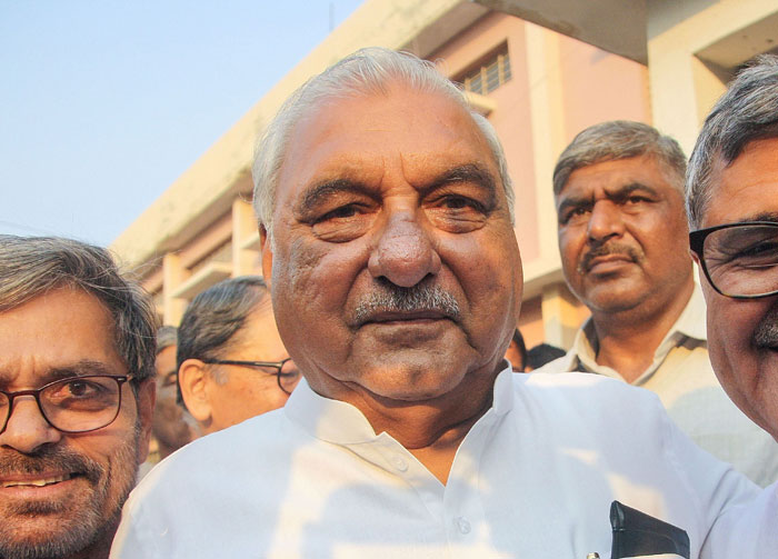 In Haryana, a faction-ridden Congress handed over the campaign's reins to former chief minister Bhupinder Singh Hooda barely a month before the campaigning began, giving him very little time to make any difference.