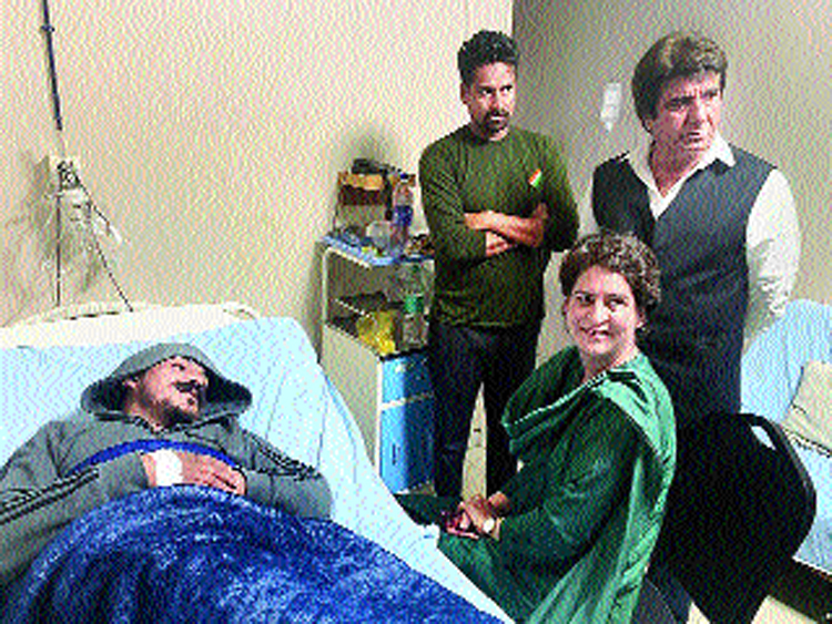 Priyanka meets Azad at the hospital in Meerut.