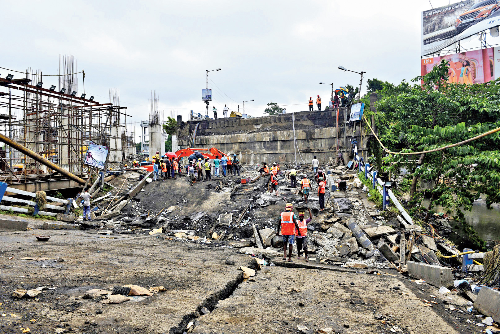 The collapsed Majerhat bridge