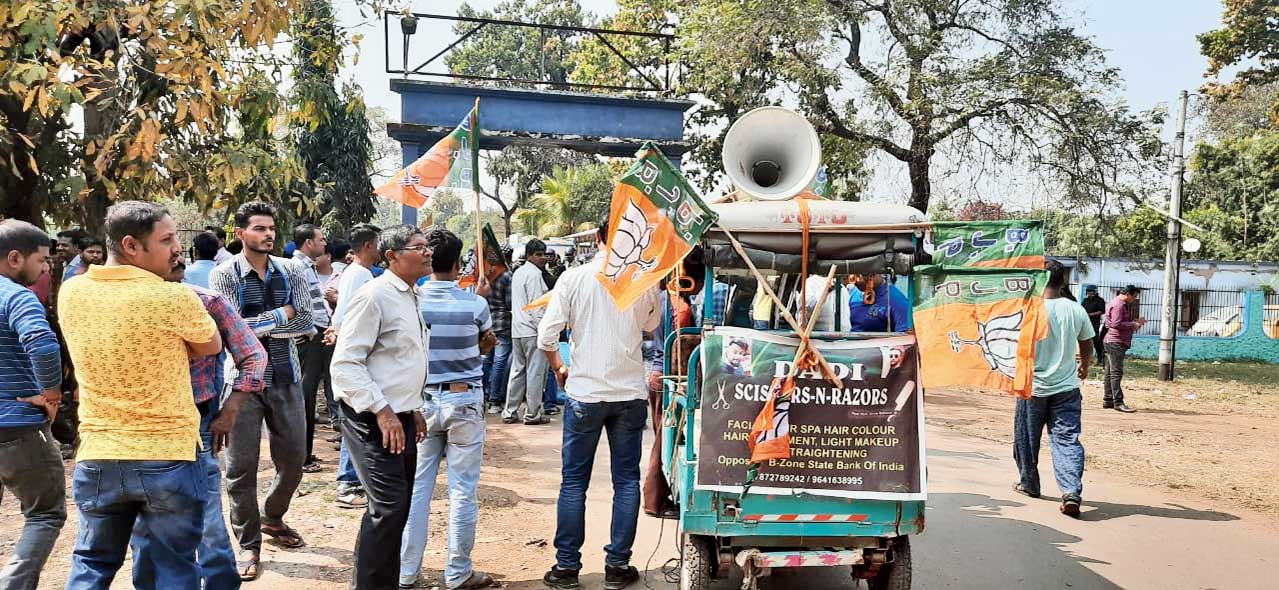 An autorickshw with a loudspeaker at the BJP's dharna in Durgapur on Sunday.
