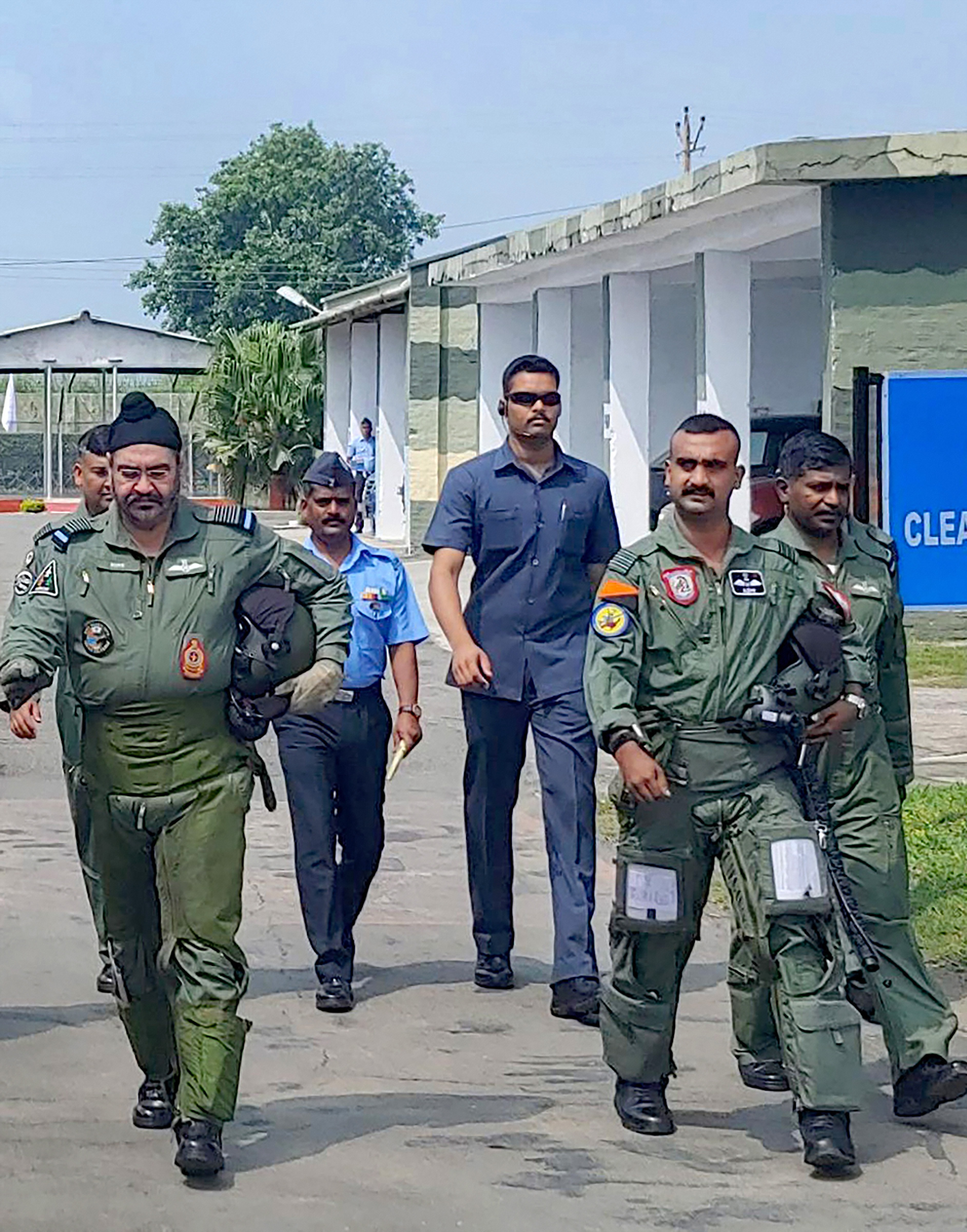 Pathankot: Air Chief Marshal BS Dhanoa and Wing Commander Abhinandan Varthaman, the IAF pilot who became the face of a tense military confrontation between India and Pakistan in February, before a sortie on the MiG 21 jet, at Airforce Station, Pathankot.