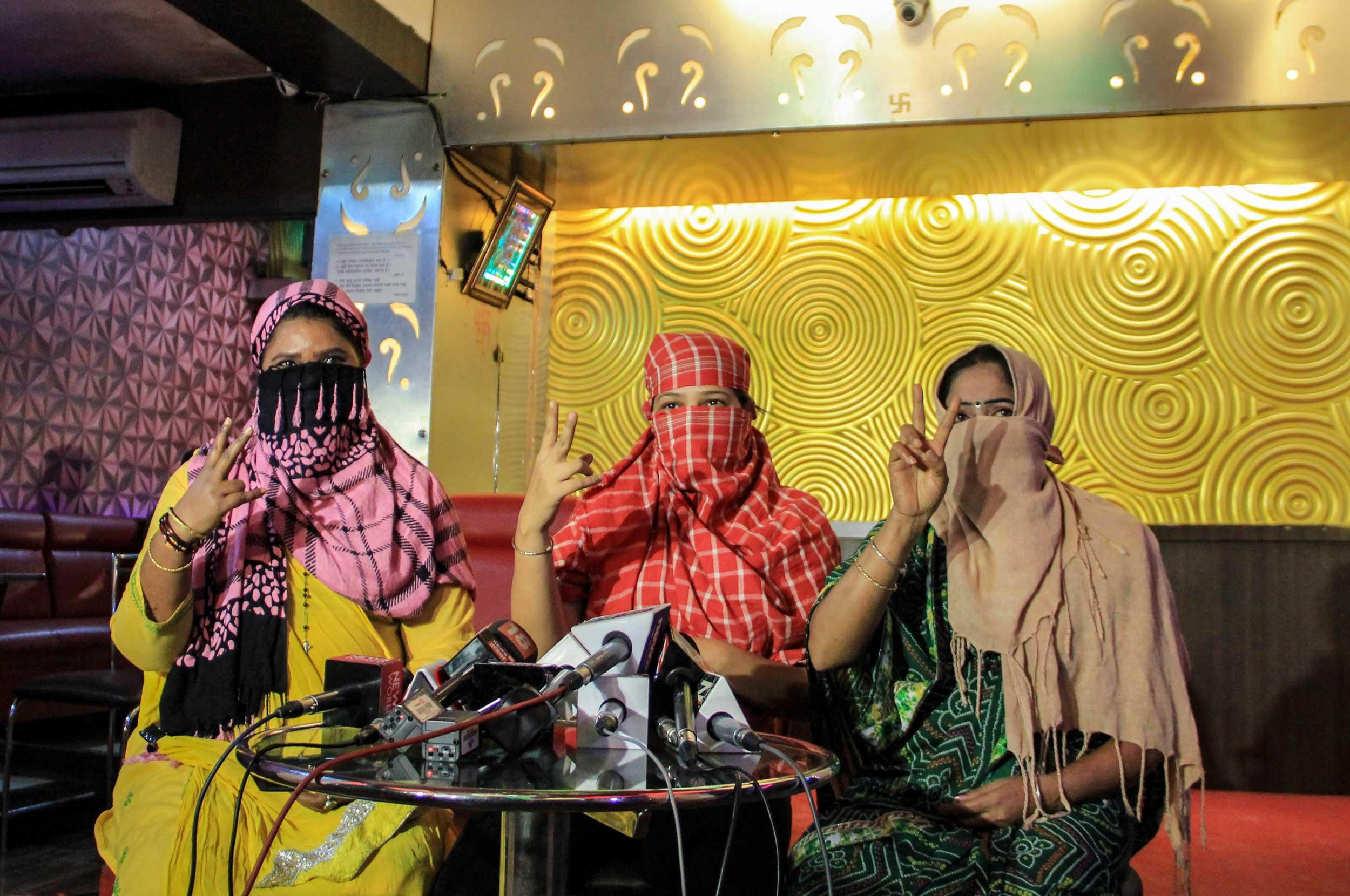 Mumbai dance bars freed of moral fetters