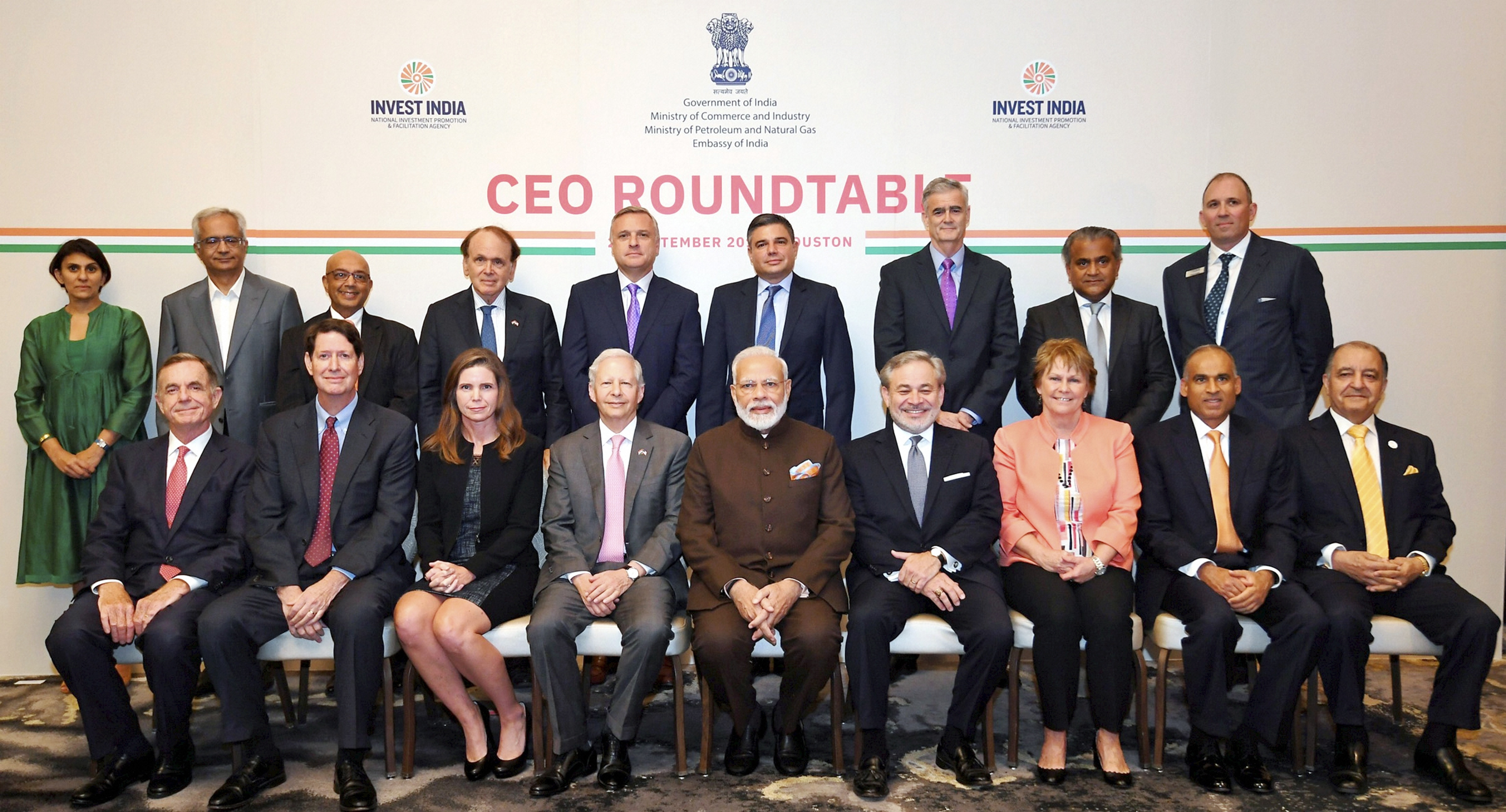 PM Modi meets with US energy sector CEOs