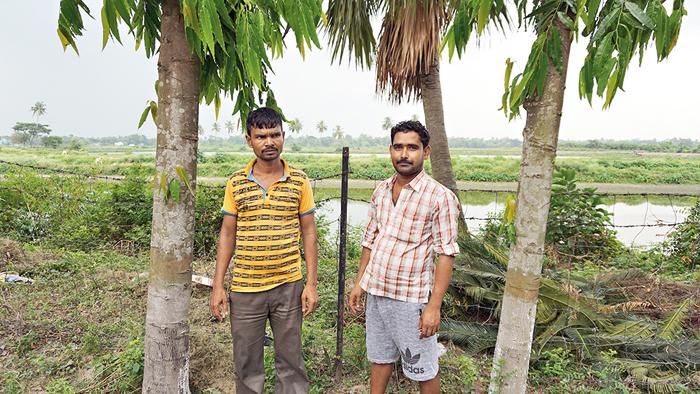 Cousins Mathur (left) and Jayanta Mondal, whose grandfather too worked at Jograshisa bheri