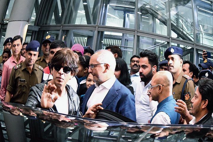 Shah Rukh Khan with KKR co-owner Jay Mehta at Calcutta airport on Wednesday