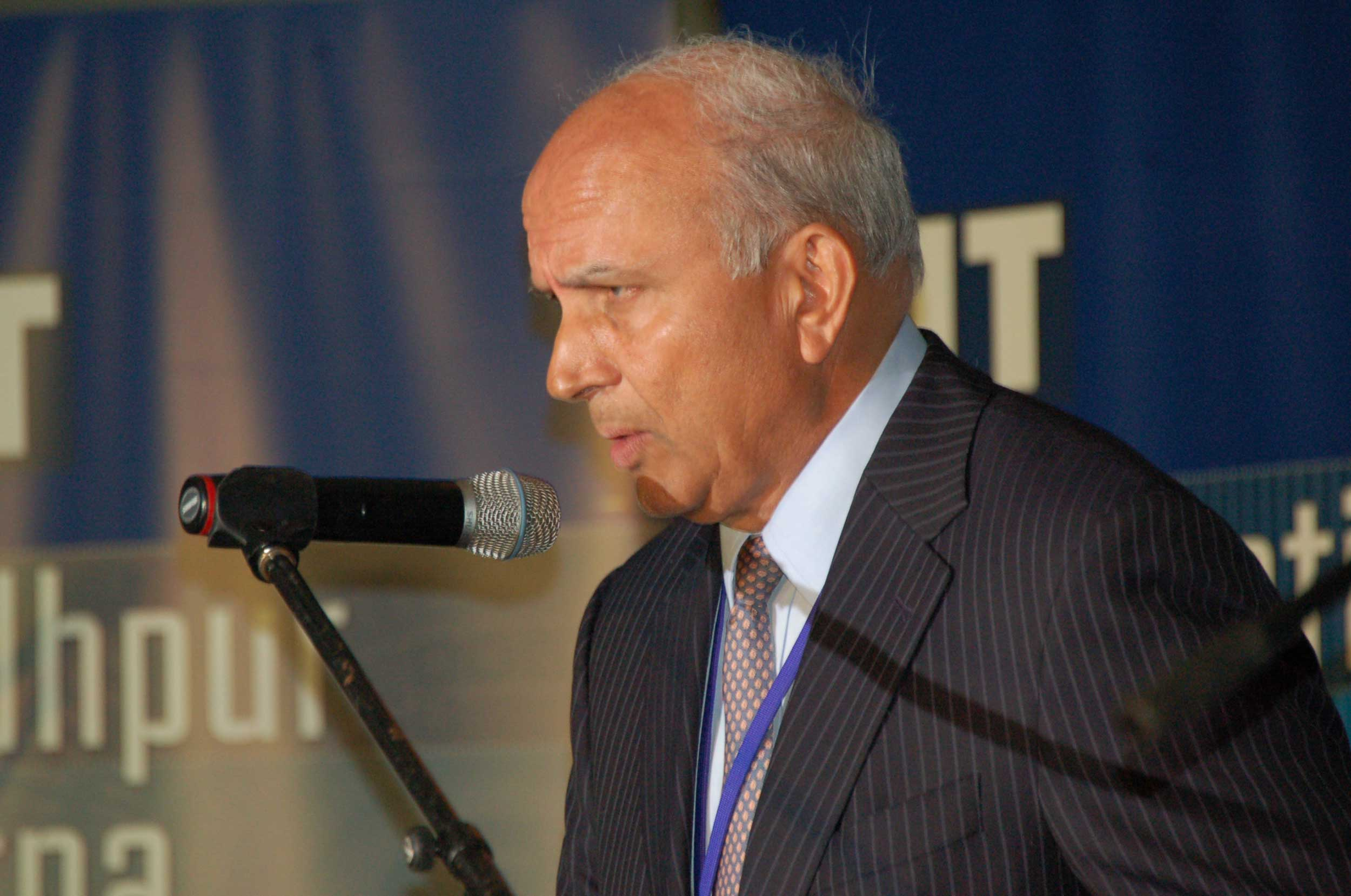 CSB, backed by Prem Watsa's (in picture) Fairfax, is looking at 2 methods to list its shares at the bourses — direct listing wherein all the shares become tradeable without the need of an IPO or alternatively a new issue offering if a direct listing does not find favour with the Sebi.