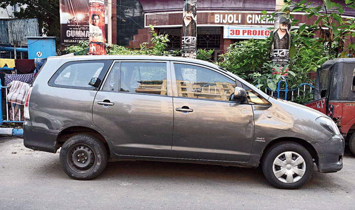 The Toyota Innova that Ramesh Behl was boarding on Thursday afternoon when the red  i10 hit it