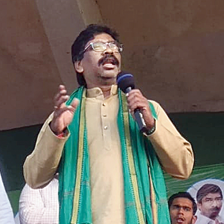 JMM working president Hemant Soren during an election rally at Tundi in Dhanbad on Wednesday.
