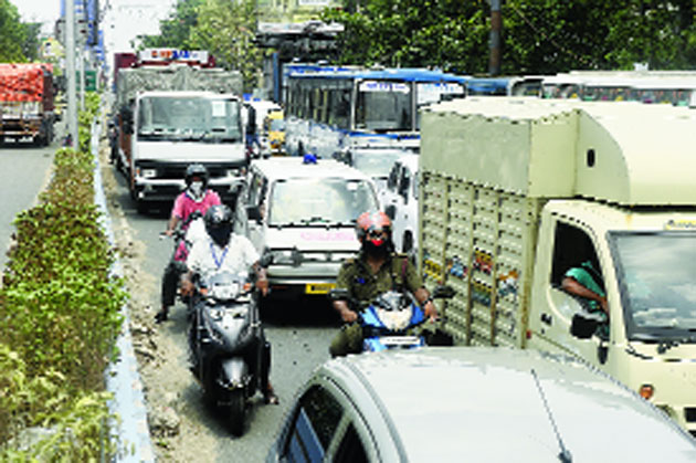 A traffic jam on BT Road around 11am on Tuesday.