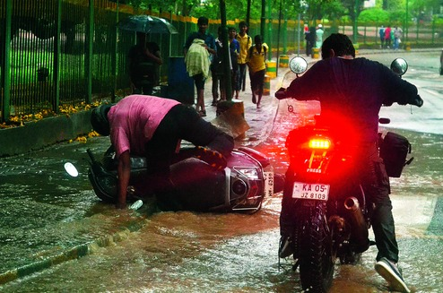 Bangalore potholes kill 4 in 9 days