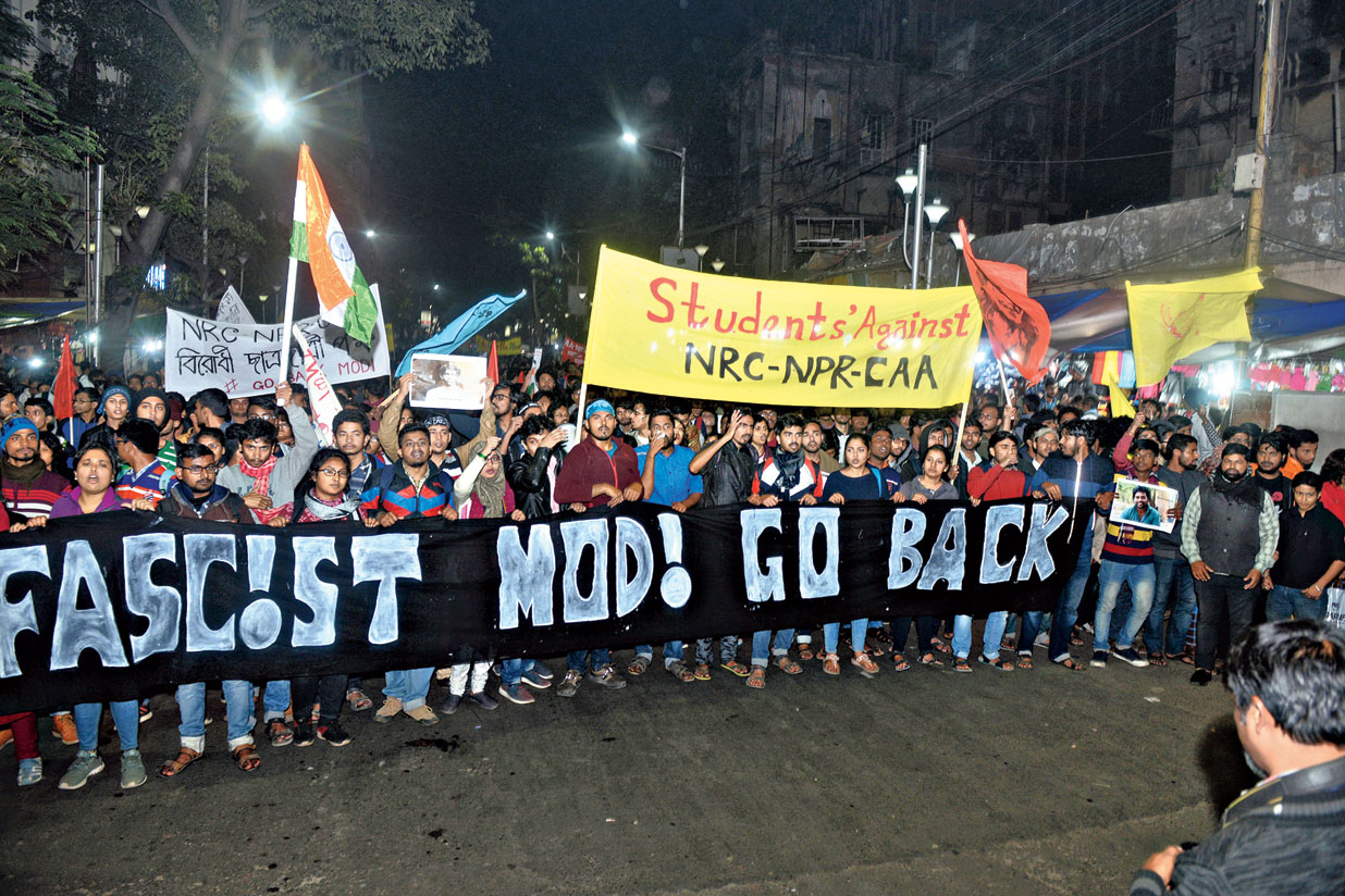 "The largest group — a rally of over 2000 students — reached Esplanade at 6.30pm, close to four hours after it started from the Academy of Fine Arts. The students, mainly from Jadavpur University, were diverted at least thrice and came via Park Street and Rafi Ahmed Kidwai Road. But the rally was undeterred by the long detour. When it arrived in front of SN Banerjee Road, a thunderous roar of ""halla bol"" shot through the sky."