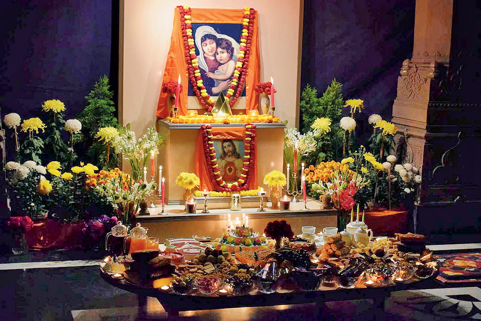 On Christmas Eve, 2017, like every year, a pedestal was adorned with pictures of Jesus and Mother Mary at Belur Math. Flowers, candles, cakes and fruits were offered by monks who came together to mark the day the way Swami Vivekananda had envisaged.