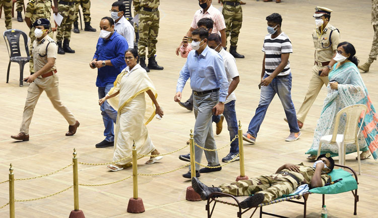 Mamata Banerjee visits the Netaji Indoor Stadium during a month-long blood donation camp organized by the calcutta Police Officer in wake of the coronavirus pandemic in calcutta on Wednesday