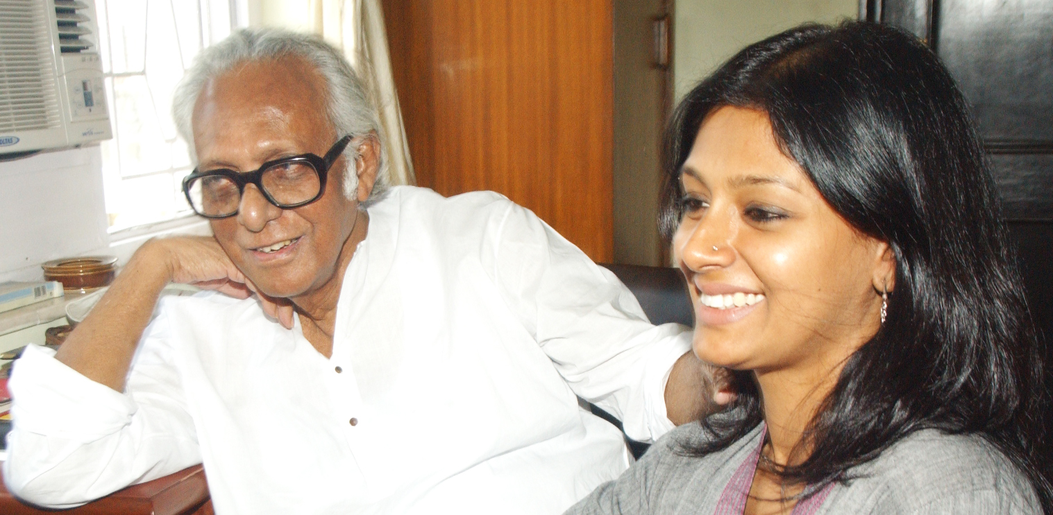 Mrinal Sen with actress Nandita Das at his residence in 2006.