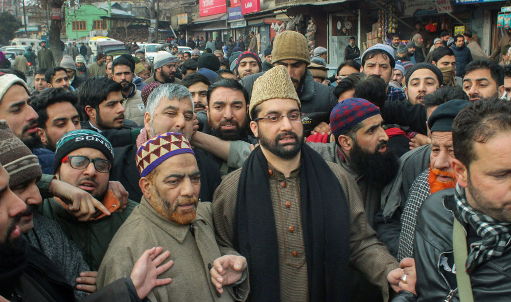 Mirwaiz leads rally against IS in Valley